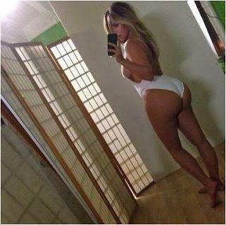 Kim K selfie
