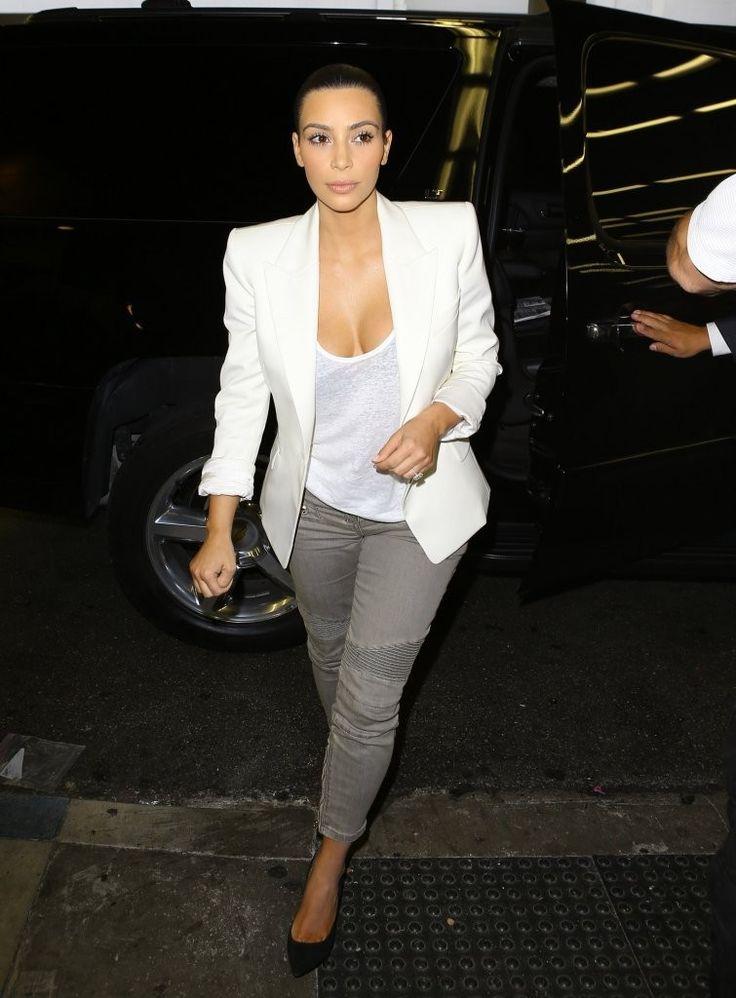 Kim+Kardashian+Kim+Kardashian+Catches+Flight+CrS7-OsaQILx.jpg (755×1024)
