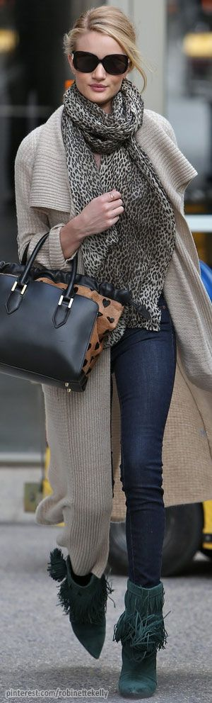 Street Style |  Rosie Huntington-Whiteley