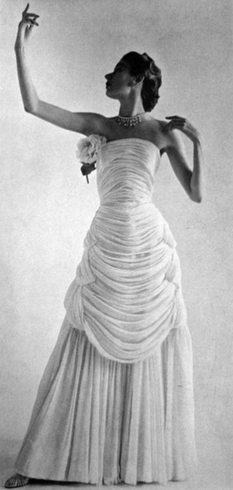 French Vogue, 1952. I love this dress. O.o