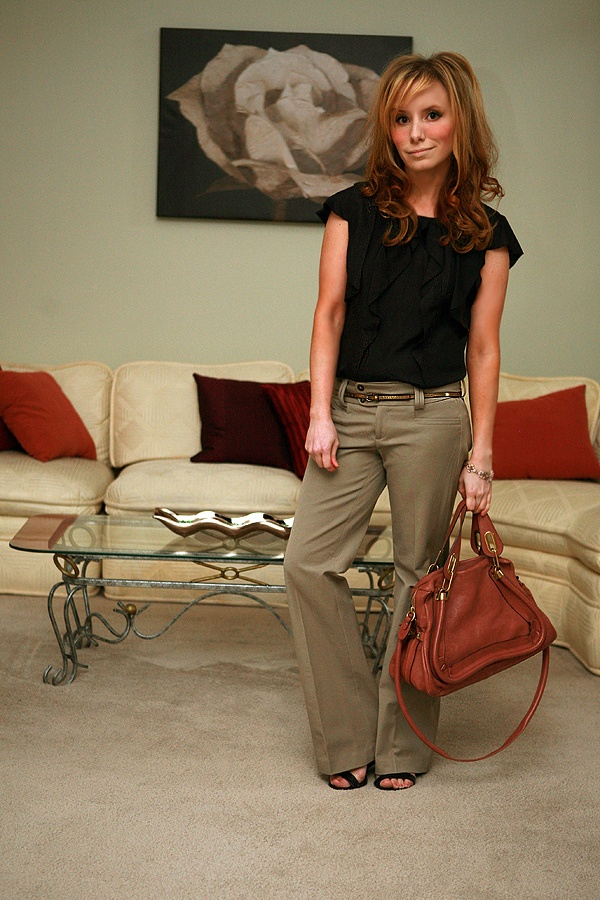 Love this slouchy, business look. Dig the skinny belted pants.