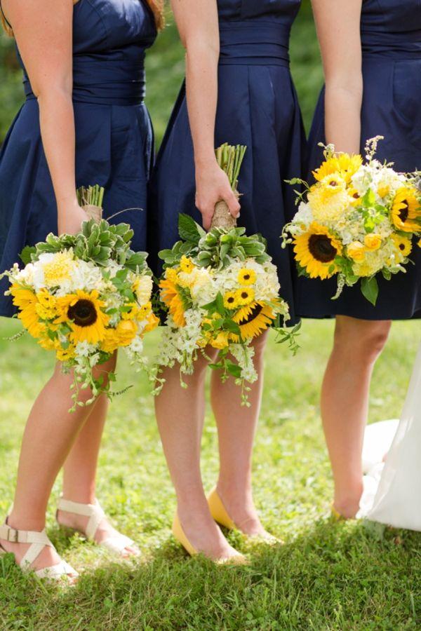 Букеты подружек невесты с подсолнухом