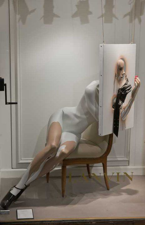 it's not easy putting on make-up,pinned by Ton van der Veer