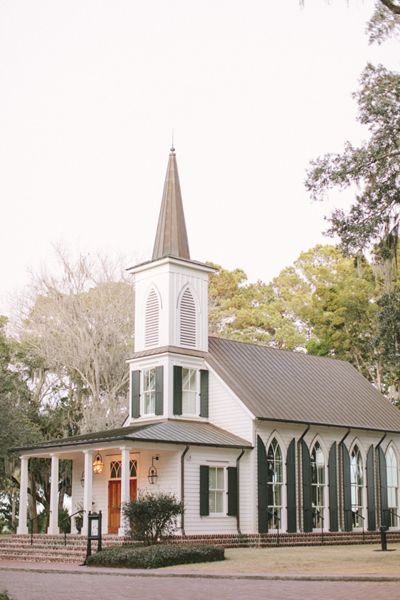 sweetest little chapel in Georgia | Ashley Seawell #wedding