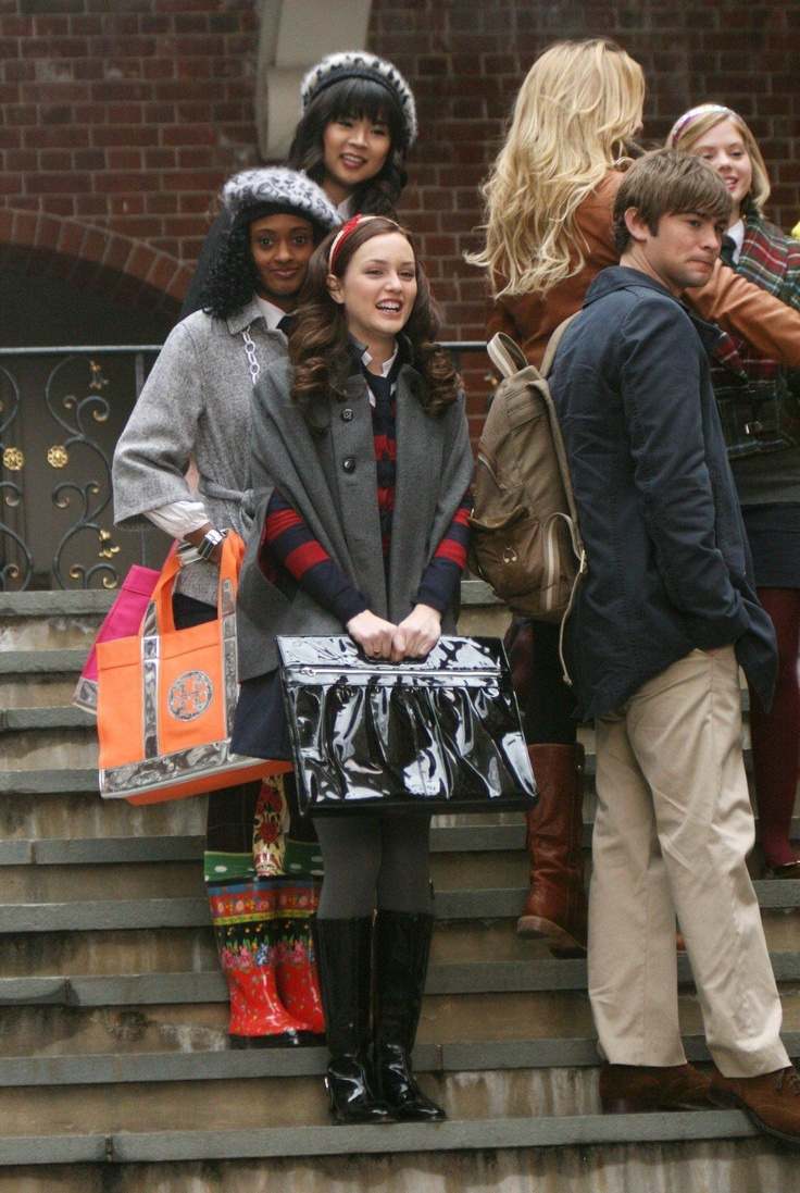 Blair Waldorf uniform- 1X12