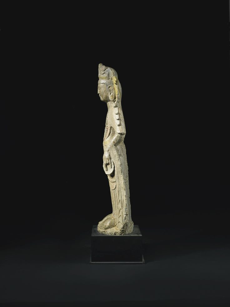 A STONE FIGURE OF A BODHISATTVA<br>CHINA, NORTHERN QI / SUI DYNASTY | Lot | Sotheby's