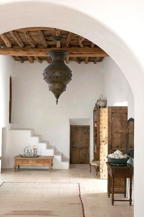 Simple Moroccan interiors