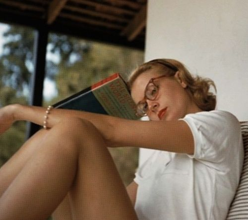 Grace Kelly reading