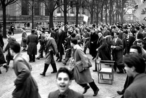 A Milano Manifestazione di solidarietà per Trieste, Ancora Sotto Giurisdizione Alleata.  1952