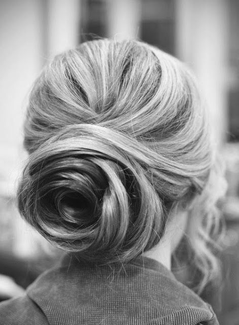 Incredible low bun