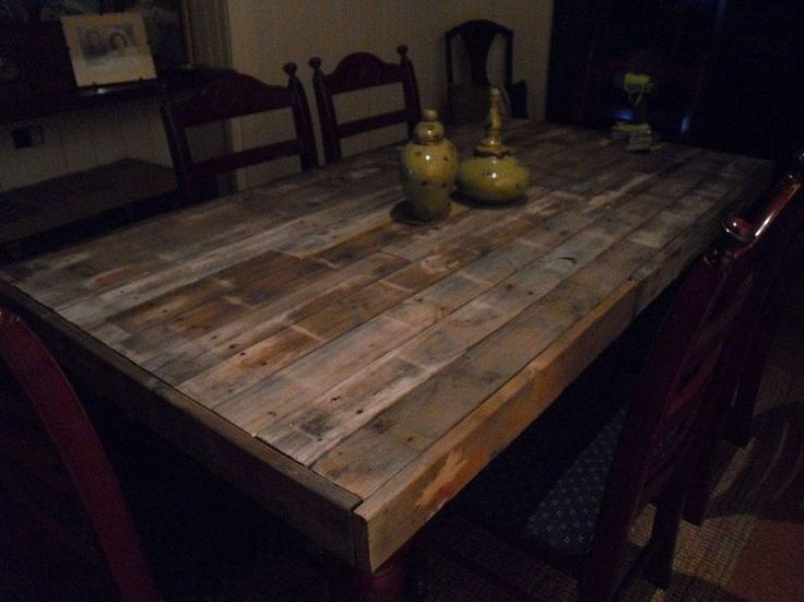 Dining Table: Wood Pallet Dining Table