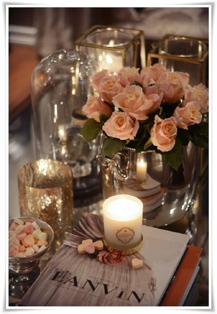 Top 10 Best Coffee Table Decor Ideas: Every real lady has or dreams for a feminine coffee table like this. It looks completely amazing, chic and romantic at the same time! The good thing is that you can use this kind of a table for your bedroom where you can display all your favorite stuffs and magazines! Candles are a must!