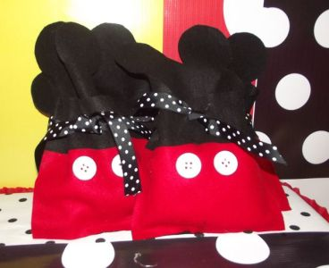 Favors at a Mickey Mouse Party #mickeymouse #partyfavors