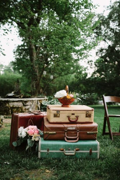 vintage-inspired decor, photo by Q Avenue Photo http://ruffledblog.com/adventurous-historic-cedarwood-wedding #weddingideas #rentals