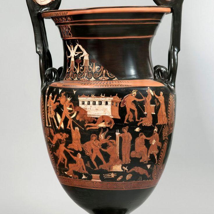 Cratère monumental représentant le Sac de Troie (Peintre de Darius) vers 340 – 330 av. J.C © Phoenix Ancient Art, Biennale des Antiquaires 2014, Paris