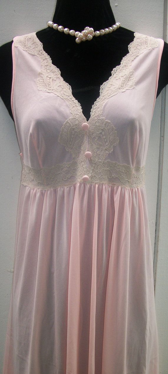 vintage nylon nightgown gorgeous lace bodice by vintagesoulwear 25