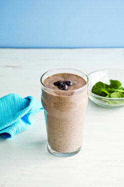 Blueberry Spinach Sipper Muscle and Fitness Hers