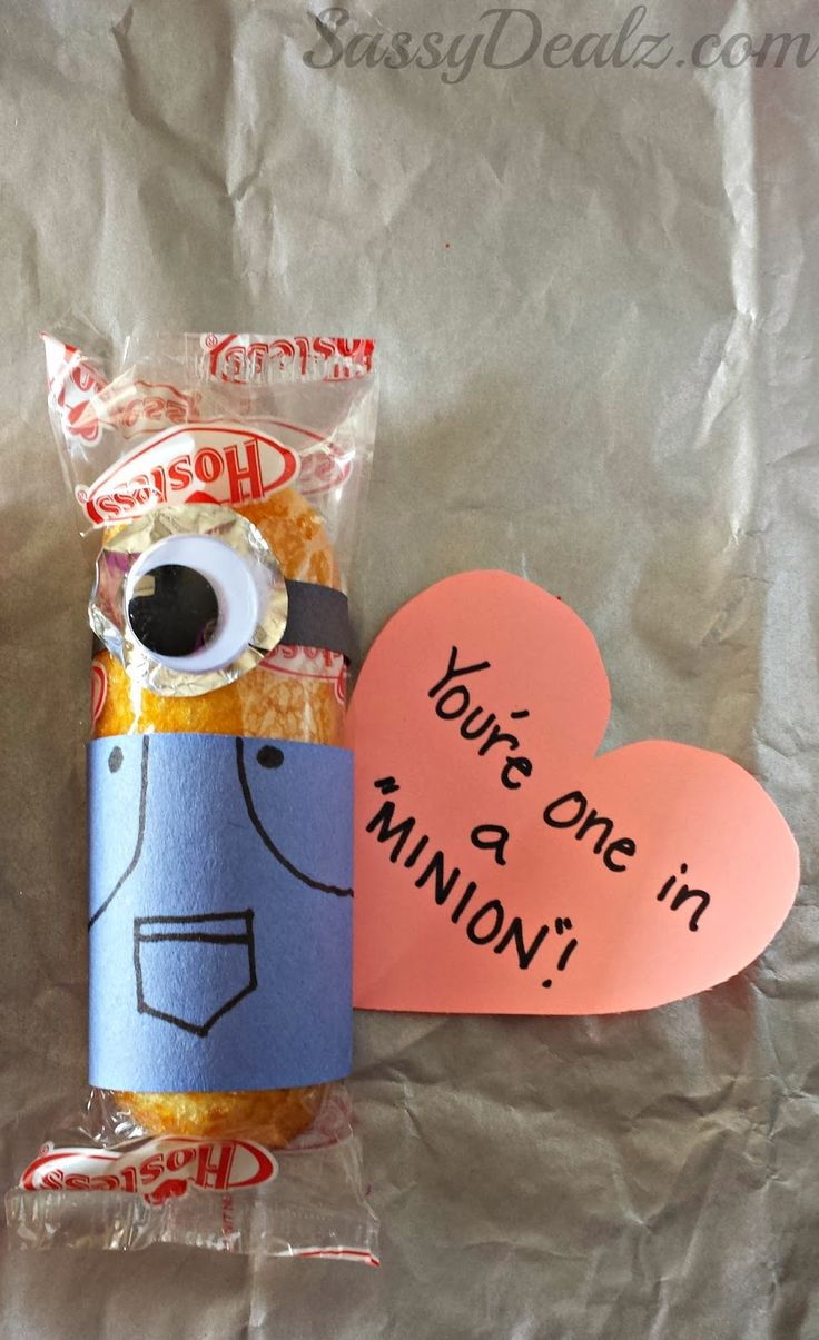 """Despicable Me """"You're One in a Minion"""" Twinkie Valentines Day Craft #Twinkies craft #Minion valentines #Edible valentines treats 