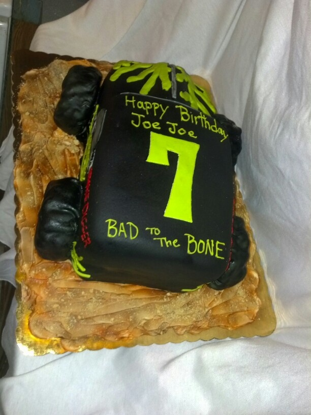 Pin Pin Made This Nerf Gun Cake With Inspiration From T He