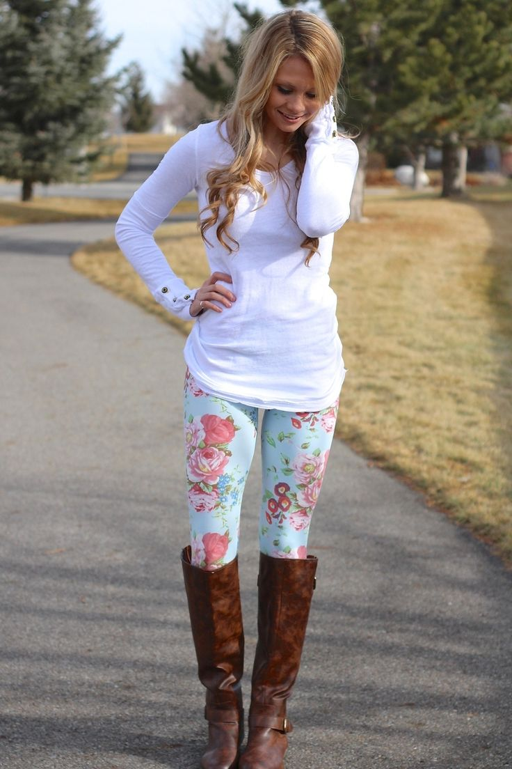 Mixed Controversial Outfit - Regular Floral Leggings and Boots Bold Patterns