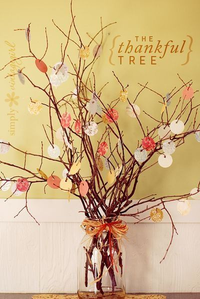 The Thankful Tree: beautiful Thanksgiving tradition idea. Not just a decoration. Something to really make my children think about their lives.