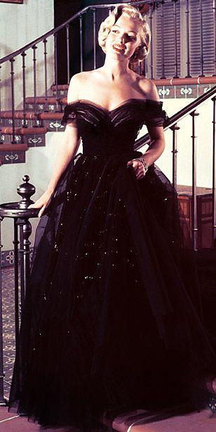 Marilyn Monroe - Oscars Most Breath Taking Gowns
