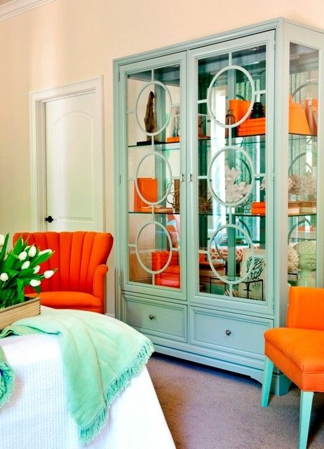Must have this hutch!! color and all even the orange I can handle