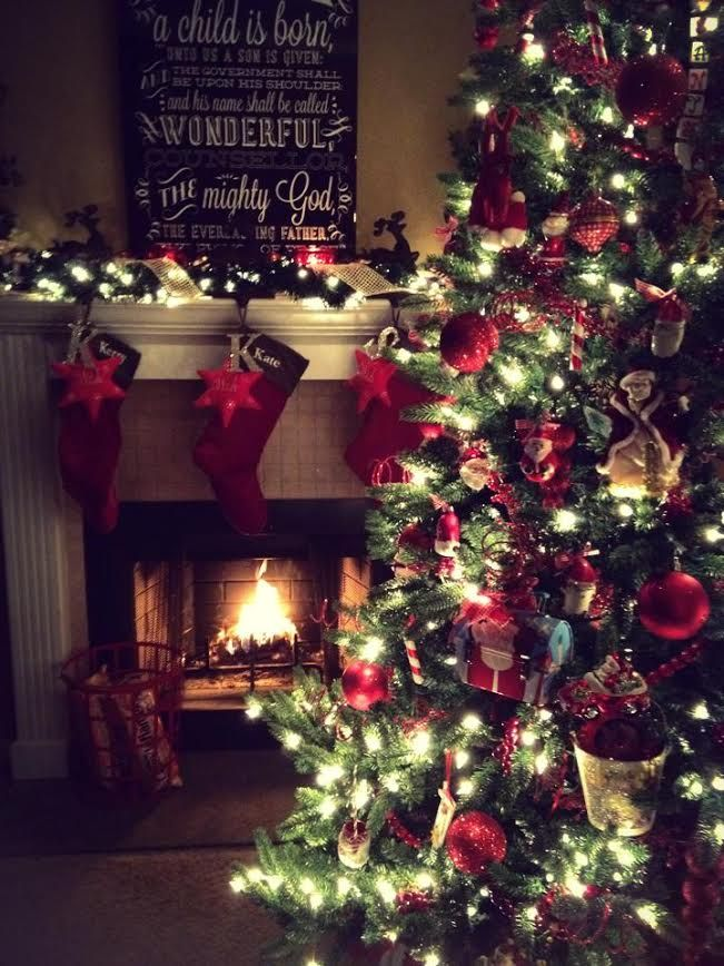 Kerry's Christmas Tree Love the idea of hanging an initial or little embellishment with a each solid colored stocking ~M