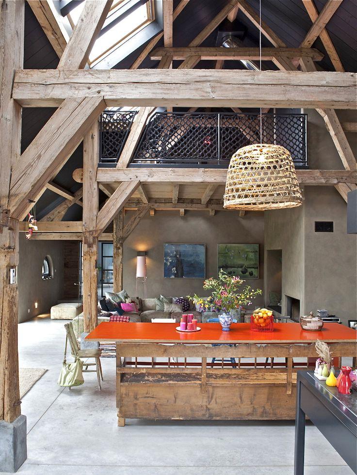 Beautiful open space. Verbouwde woonboerderij | VIVA VIDA