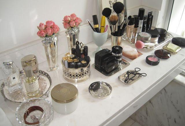 Cantinho Organizado : Objetos que ajudam na hora de organizar a Maquiagem