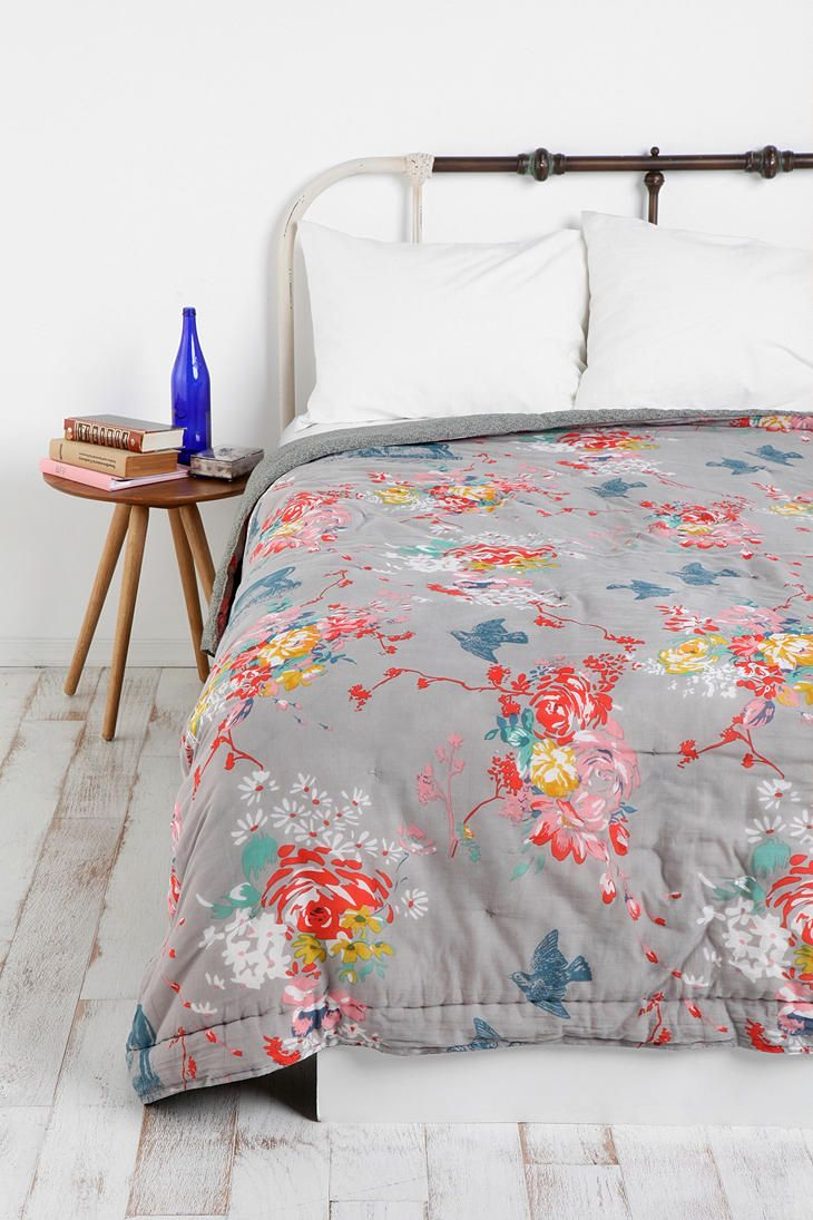Grey floral bedlinen