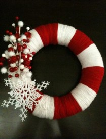 Christmas Wreath Ideas | Craft Ideas / Candy Cane Holiday Wreath Christmas-Next craft day!