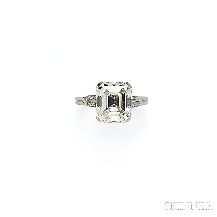Art Deco Platinum and Diamond Ring | Sale Number 2746B, Lot Number 652 | Skinner Auctioneers
