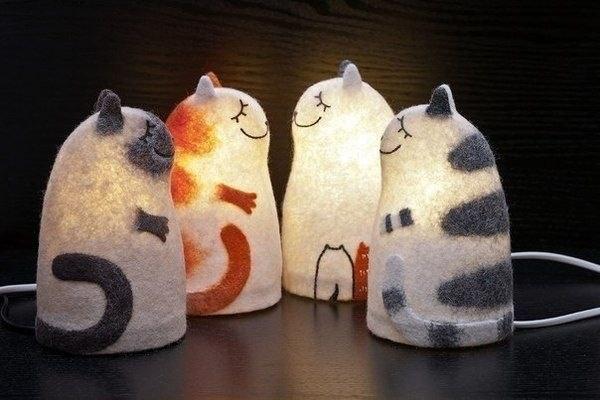 Felt cats lamps