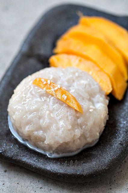 Thai Mango Sticky Rice (via Edible Garden)