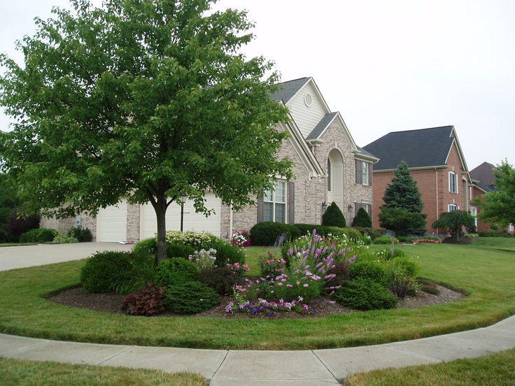 Backyard Landscape Design For Privacy. natural outdoor garden ...
