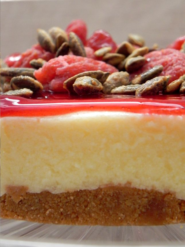 Deliciosa tarta de queso con semillas de calabaza caramelizadas