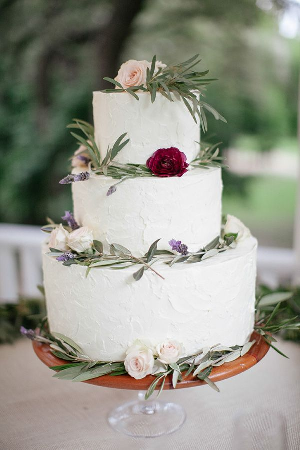 Rustic and simple #wedding #cake Photo by: The Nichols (http://www.thenicholsblog.com)