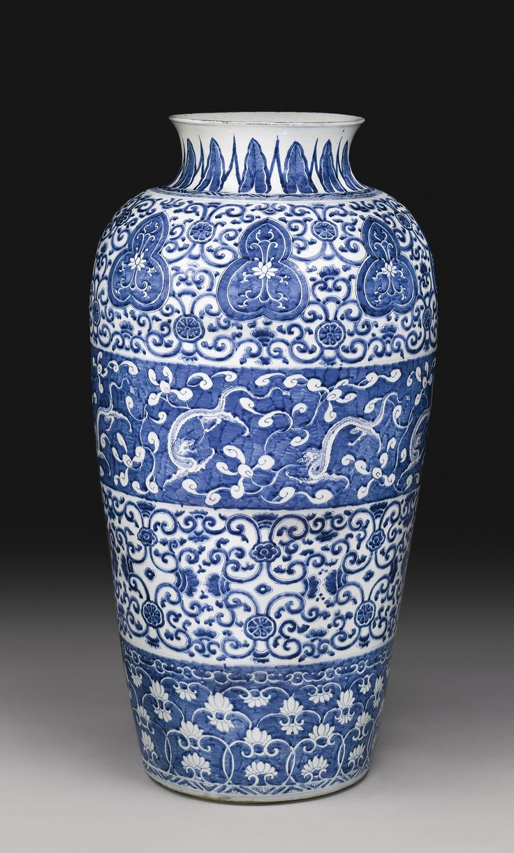 A blue and white 'Soldier' vase, Qing dynasty, Kangxi period