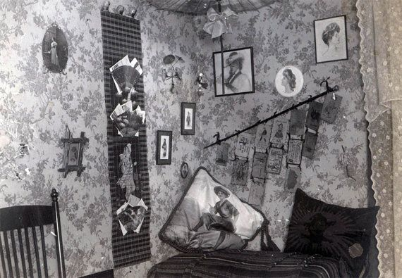 photo of young lady's bedroom c.1910