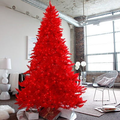 I want a red Christmas tree!