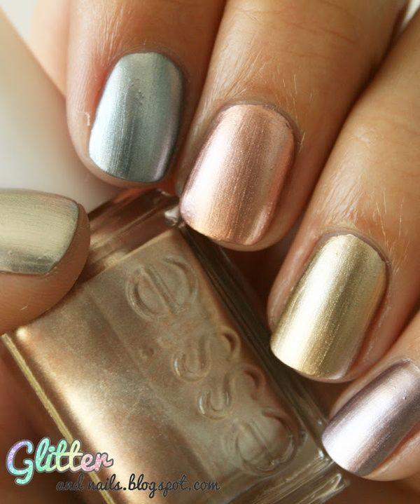 Metallic nails #celebstylewed #bridal #nuptials