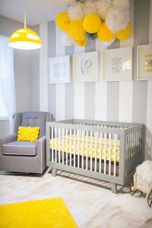 Habitación de bebé en gris y amarillo