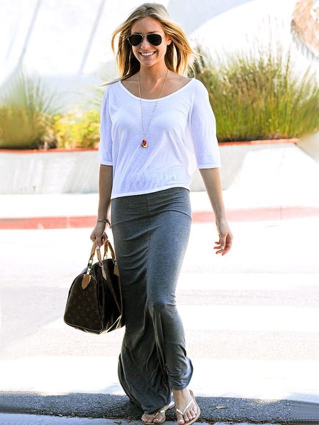 Cute, casual maxi skirt and white tee! Kristin Cavallari maxi skirt. Spring or summer outfit