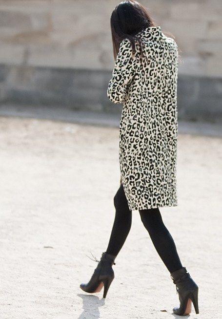 la-modella-mafia-fashion-editor-model-off-duty-street-style-in-a-leopard-coat.jpg 455×653 pixels