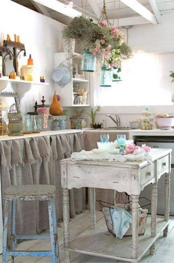 Awesome vintage kitchen. -36 Fascinating DIY Shabby Chic Home Decor Ideas