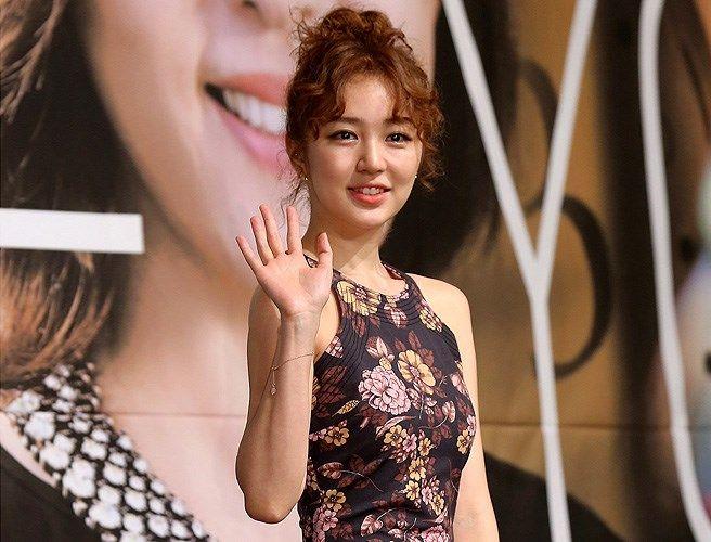 Kim Yoon Hye Hot Girls Wallpaper
