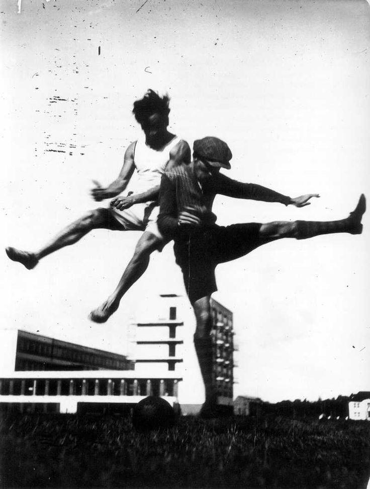 Sport al Bauhaus (1928) # Storia # sport # fotografia # design # arte # calcio