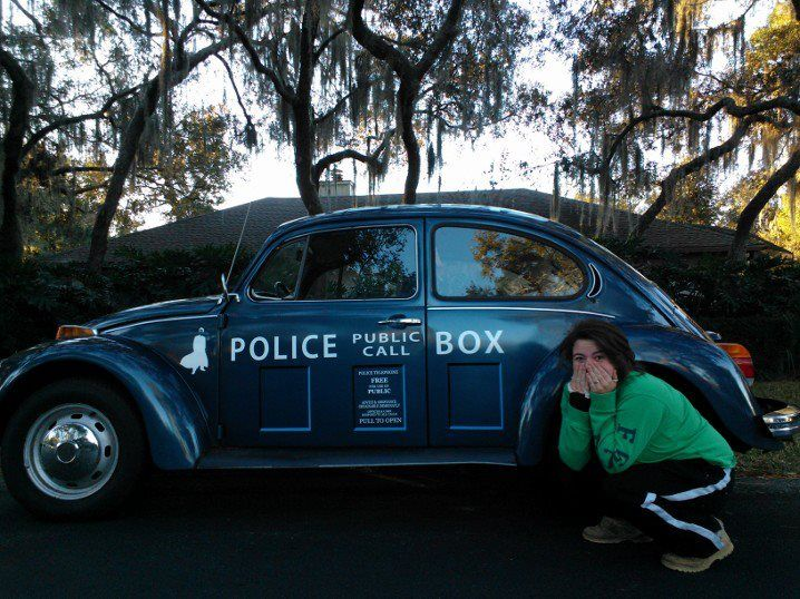 """i woke up today to the words """"Jessiemarie8, the tardis is outside"""" its also my cakeday. - Imgur"""