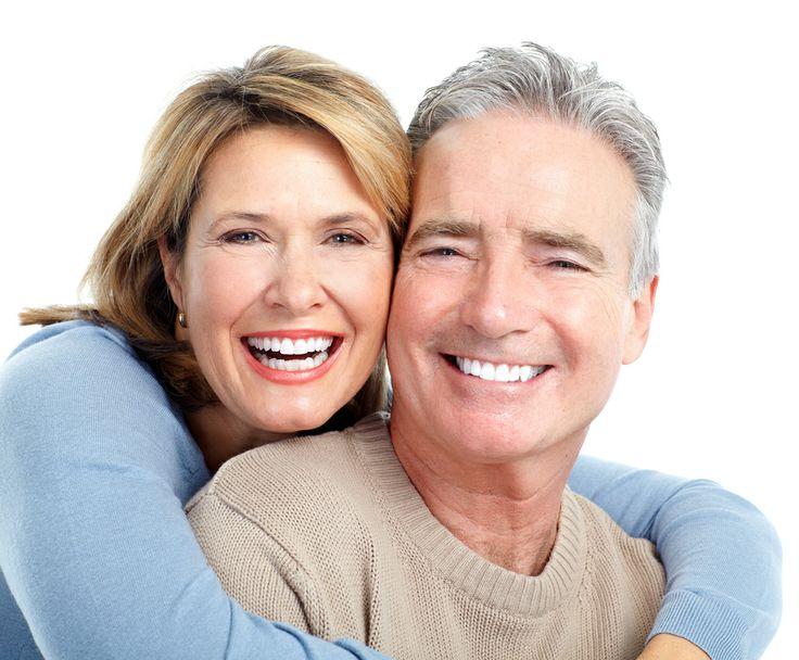 Una sonrisa perfecta es posible a cualquier edad, contacta con nosotros para tener todos los datos